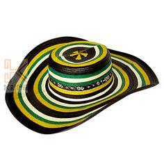 Sombrero trenzado en caña flecha. Con innovación en la mezcla de colores 6320705d13f