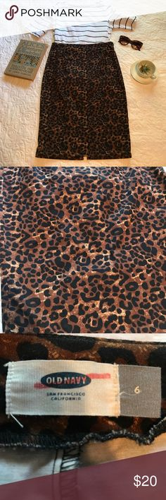 Lovely leopard pencil skirt 6 cheetah animal print Size 6 from Old Navy. In great shape! Only air dried. Listing is for skirt only. Other items not included. 😘😍nonsmoking home. Thanks!! 😎 Old Navy Skirts