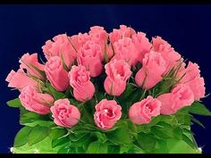 Streamer Flowers, Paper Flowers Diy, Flower Crafts, Fabric Flowers, Crepe Paper Crafts, Crepe Paper Streamers, Origami Paper Art, Candy Flowers, Rainbow Crafts