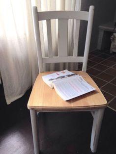 Weichholzstuhl, alt Lichtgrau ShabbyZum Verkauf steht ein wundervolle Gruppe bestehend aus 6 liebevoll aufgearbeiteten Stühlen in light Grey mit naturbelassener Sitzfläche, wahlweise mit Sitzfläche in light Grey.Absolute Schmuckstücke. Sehr robust und stabil und dabei trotzdem so filigran.Die Stühle sollten möglichst als Gruppe verkauft werden.Sie sind alle aufgearbeitet und professionell mit Wurm-Ex behandelt worden. Die Bilder sprechen für sich...Maße:Höhe: 89 cmBreite der Rückenlehne: 41…