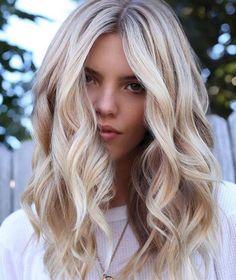 Platinum Blonde Hair Color, Honey Blonde Hair Color, Light Blonde Hair, Blonde Hair Looks, Light Hair, Blonde Color, Ash Blonde, Blond Beige, Creamy Blonde