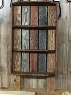 Pallet shelf from oak pallet