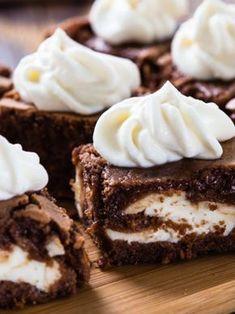 Home: - Vanilla Buttercream Stuffed Chocolate Fudge Brownie Cake Bites with Vanilla Buttercream on Top! - TAG a Cake Lover! Chocolate Fudge Brownies, Brownie Cake, Chocolate Cheesecake, Vegan Whipped Cream, Mini Pumpkin Pies, Recipes With Whipping Cream, Baked Cheesecake Recipe, Cake Bites, Oreo Pops