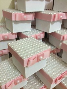 Bridal Gift Wrapping Ideas, Pearl Crafts, Trousseau Packing, Gift Card Boxes, Paper Flowers Craft, Wedding Gifts For Guests, Baby Shower Diapers, Crafts To Make And Sell, Baby Shower Centerpieces