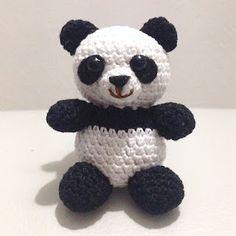 The small workshop of Creativity: Panda amigurumi - Crochet Tutorial Crochet Panda, Knit Or Crochet, Crochet Baby, Crochet Bear Patterns, Amigurumi Patterns, Amigurumi Tutorial, Crochet Ornaments, Cute Pigs, Crochet Diagram