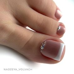 When it comes to the Best Nail Art, we try our best to cultivate it! Today we have 26 Brand New Nail Art Images for you to Admire! Pretty Toe Nails, Cute Toe Nails, Cute Acrylic Nails, My Nails, French Toe Nails, French Pedicure, Manicure E Pedicure, Black Pedicure, Toe Nail Color