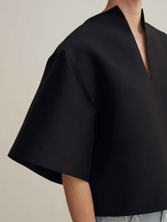 Minimalist Swedish fashion studio Totême breathes the no-nonsense but cosy attitude of Scandinavian… - Fashion Fashion Line, Fashion Details, Look Fashion, Fashion Outfits, Womens Fashion, Classy Fashion, Fashion Fashion, Trendy Fashion, Scandinavian Fashion