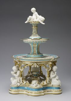 Minton : Staffordshire (c. 1793-1873) - Dessert stand (jelly or cream) (from the 'Victoria' pattern dessert service)