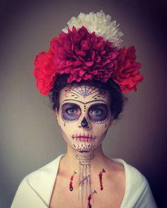 Sugar skull makeup inspired by Frida Kahlo Halloween