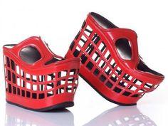 Venez voir des chaussures insolites et très bizarres