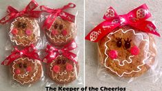 Gingerbread Girl Pre-Packaged Cookies Materials: Little Debbie Oatmeal Creme Pie (or similar cookie) White Paint Pen ( I used a Sharpie one since that is what I have on hand) Black Sharpie Red Christmas Ribbon Red Buttons Hot glue and glue. Kids Christmas Treats, School Christmas Party, Christmas Cookies Gift, Christmas Food Gifts, Christmas Goodies, Homemade Christmas, Simple Christmas, Holiday Treats, Christmas Ribbon