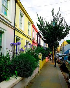 Places to visit in London: Portobello Road Market in Notting Hill