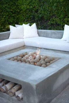 wood DIY Outdoor Fire Pits is part of Outdoor renovation - Welcome to Office Furniture, in this moment I'm going to teach you about wood DIY Outdoor Fire Pits Backyard Seating, Fire Pit Backyard, Backyard Patio, Backyard Landscaping, Backyard Ideas, Patio Ideas, Garden Fire Pit, Lounge Ideas, Pergola Ideas