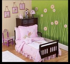 Cute toddler girls room - LOVE the flowers on the wall!