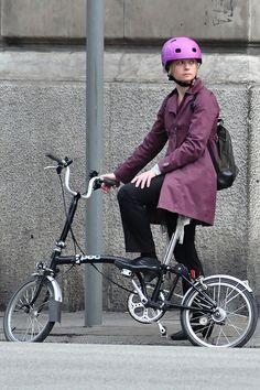 Primavera en bici per Barcelona  WELCOME TO SPAIN! FANTASTIC TOURS AND TRIPS ALL AROUND BARCELONA DURING THE WHOLE YEAR, FOR ALL KINDS OF PREFERENCES. +34 664806309 VIKTORIA  https://www.facebook.com/pages/Barcelona-Land/603298383116598?ref=hl