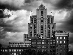 Guy Gagnon is een Belgische fotograaf die vooral zwart-wit foto's maakt.
