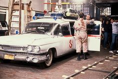 Behind the scenes with Ecto-1 filming #Ghostbusters (1984) with Dan Aykroyd & Bull Murray.