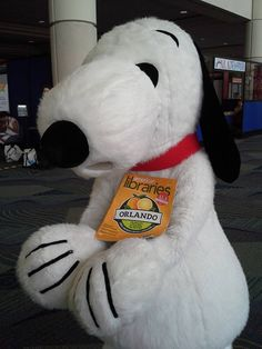 Library Card spokesbeagle Snoopy in Orlando.