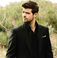 Robin Thicke. Handsome, oh so handsome.