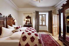 Aristoteles Onassis Suite - Hotel Schloss Mittersill  https://www.schloss-mittersill.com/de/