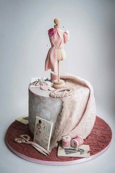 Amazing Fashion's Details Cake