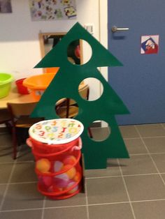 Preschool Christmas Crafts, Preschool Projects, Xmas Crafts, Preschool Activities, Christmas Tree Game, Christmas Holidays, Merry Christmas, Christmas Decorations, Xmas Games