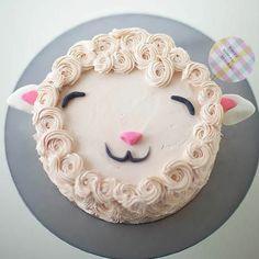 <3 DIY Fluffy Lamb Cake Decorating Tutorial
