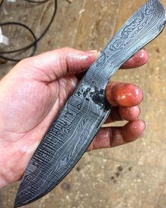 Test etch   #handforged #forged #knife #Damascus #patternwelded #knifeporn #cheflife #theartofplating #gastroart #truecooks #chef #knifenut #knifesale #knifemaking #truecooks #kitchenknife #highcarbon #knifecommunity #blade #edc by loon_works