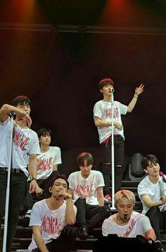 Ikon Junhoe, Hanbin, Ikon Wallpaper, Yg Entertainment, Mix Match, Korean Boy Bands, Lineup, My Boys, Make Me Smile