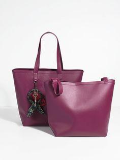 La Femme Shopper, Magenta