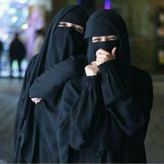 Arab Girls Hijab, Muslim Girls, Hijabi Girl, Girl Hijab, Hijab Bride, Beautiful Muslim Women, Beautiful Hijab, Hijab Dp, Hijab Dress