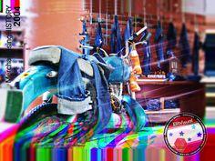 Elit-Visual: Proyecto MerchandisingHISTORY Galería de jeans. Historial de exhibición de producto. #elitvisualsas #jeans #fashion History, Jeans, Fun, Product Display, Industrial Design, Innovative Products, Blue Prints, Historia, Denim