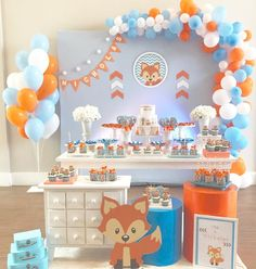 The best of children's party inspiration! Baby Shower Decorations For Boys, Boy Baby Shower Themes, Baby Shower Balloons, Baby Boy Shower, Fox Baby Showers, Theme Bapteme, Fox Party, 1st Boy Birthday, First Birthdays