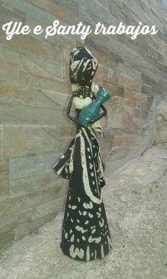 Africana con brocca by Santino Cossu e Ilenia Pintus