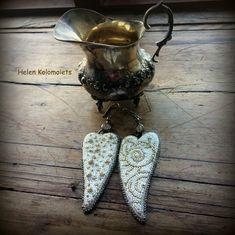 "By Helen Kolomoiets. Bead embroidery. Елена Коломоец. Cерьги ""Два ангельских крыла"". Вышивка бисером.   #АнгельскиеКрылья #вышивкабисером #бисерныесерьги #серьгиизбисера #ручнаяработа #эксклюзив  #BeadsEarrings #BeadEmbroidery #BeadEmbroideryEarrings  #ImitationJeweleryVintage #Exclusive  #Handwork #Beds #AngelWings Angel Wings, Beadwork, Lace Up, Flats, Earrings, Shoes, Fashion, Loafers & Slip Ons, Ear Rings"