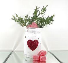 Mason Jar Candy, Glitter Mason Jars, Mason Jar Crafts, Home Design, Love Jar, Colored Mason Jars, Rustic Mason Jars, Valentines Day Party, Valentine Ideas