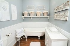 clawfoot tub wall mounted shelf Picture Frame Wainscoting, Wainscoting Bedroom, Dining Room Wainscoting, Wainscoting Panels, Wainscoting Ideas, Painted Wainscoting, Black Wainscoting, Baseboard Trim, Diy Design