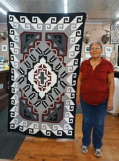 Native American Rugs, Native American Design, Native American Artifacts, Native American Indians, Navajo Weaving, Navajo Rugs, Weaving Art, Hand Weaving, Tribal Patterns