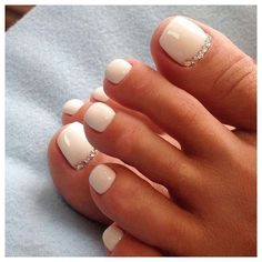 33 toe nail art designs to keep up with trends 00009 | Armaweb07.com