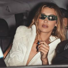 Le Specs x Adam Selman sunglasses brand new in box Isabella Hadid, Beautiful Girl Makeup, Bella Hadid Style, Fashion Pictures, Kendall, Supermodels, Sexy, Beautiful People, Celebrity Style