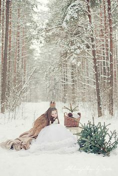 Winter Photo Session Ideas | Props | Prop | Child Photography | Clothing Inspiration| Fashion | Pose Idea | Poses | Crown | Snow | Princess | Fantasy