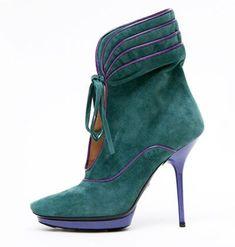 #GiorgioArmani Suede platform ankle boot with bicolor piping. Historical #design
