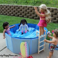 to Make a Swimming Pool & Ladder for your American Girl Dolls! How to Make a Swimming Pool & Ladder for your American Girl Dolls!How to Make a Swimming Pool & Ladder for your American Girl Dolls! American Girl Outfits, American Girl House, American Girl Doll Room, American Girl Furniture, Girls Furniture, American Girl Crafts, American Doll Clothes, American Girls, Doll Furniture