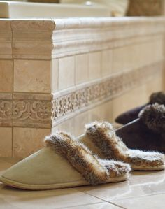 After a long day in street shoes, slipping your feet into our faux fur-lined slippers will feel positively decadent. Densely woven using the most innovative fibers, the faux fur replicates the irresistible softness, warmth and luxury of real fur.
