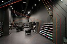 Shoelace installation – group ex Windows Run Colors store by mode:lina, Poznań – Poland » Retail Design Blog