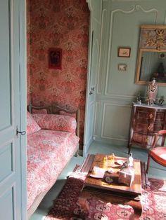 Boudoir/ Child #bedroom/ Château de Courcy