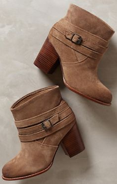 perfect leather booties for the fall http://rstyle.me/n/pscfmr9te