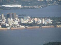 Porto Alegre- vista do cais com o Gigante ao fundo