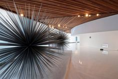 """""""Nuestra intervención se limitó a quitar elementos de las galerías más allá de un proyecto de diseño como tal"""" #BNKR Arquitectura, sobre el Polyforum Siqueiros. Foto: Jaime Navarro."""