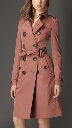 Showerproof Technical Trench Coat in Pale Redwood Women Stylish Coat, Stylish Outfits, Fashion Outfits, Girl Outfits, Burberry Trenchcoat, Pink Trench Coat, Look Blazer, Cool Coats, Looks Chic